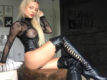 Findomme Cam2Cam Chat